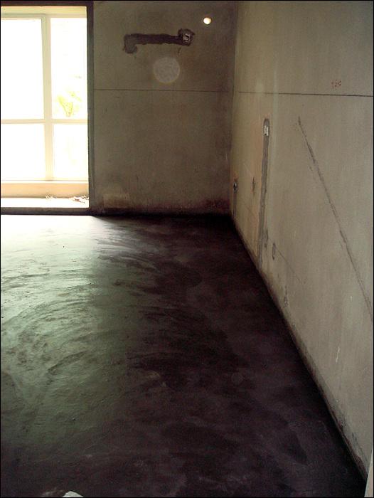 卧室地面找平,木工开始进场
