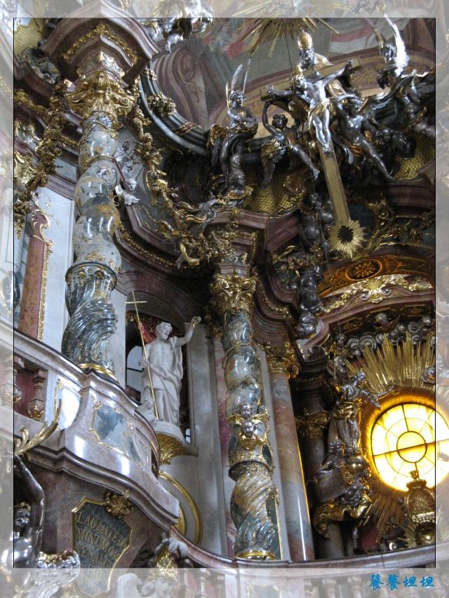 大门口欧式柱子装饰效果图