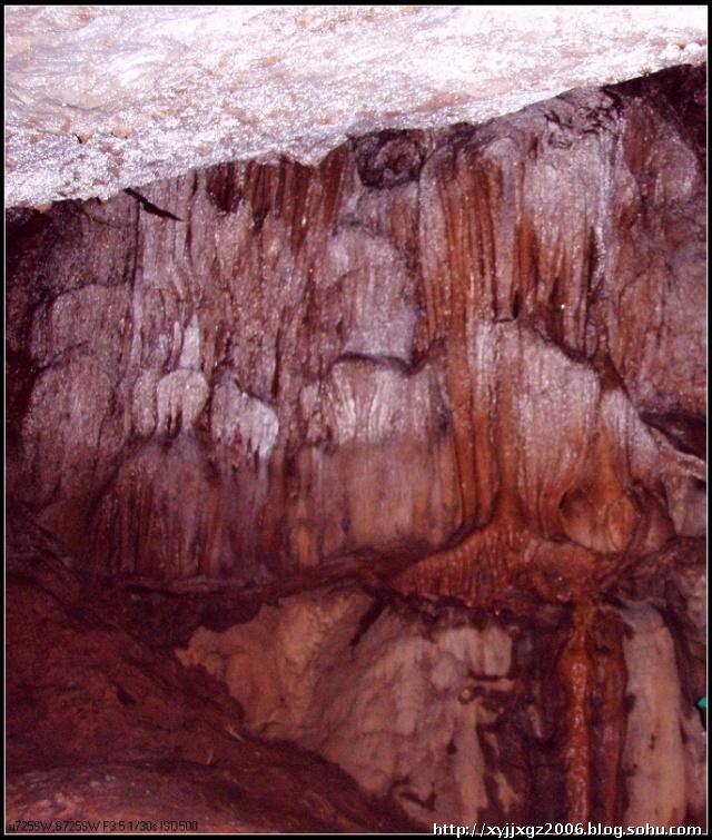 宁都莲花山风景区有两个天然神奇的溶洞